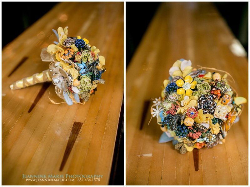 bridal bouquet, multicolored bouquet, 612Brew, Minneapolis wedding venues, brewery wedding, Twin Cities wedding photographer, Jeannine Marie Photography_0512