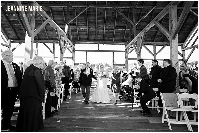 Cannon River Winery, wedding, ceremony, outside, walk down aisle, bride, parents