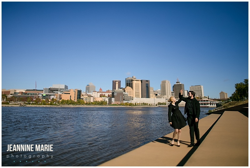 Harriet Island, Paddleboat, Saint Paul engagement, Saint Paul engagement photographer, Minnesota engagement photographer, Twin Cities engagement photographer, Jeannine Marie Photography, engaged, engagement session, engagement photos, Saint Paul engagement, wedding planning, Minnesota, Mississippi River, city skyline, fall engagement, engagement outfits, fall engagement outfit