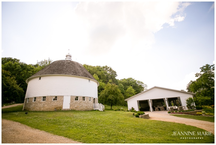 venue, Round Barn Farm, Jeannine Marie Photography, Minnesota barn weddings, Minnesota farm weddings, Minnesota wedding photographer, Twin Cities wedding photographer, Saint Paul wedding photographer, Minneapolis wedding photographer, King Demetrius, Kahani Event Design, Ediflorial, Minted, Rudy's Event Rentals, A'BriTin Catering & Hospitality, Sweet Heaven by NNE, DJ Greg Ellis, Neika's Beauty, Bridal Accents Couture, Dapper and Dashing Co, Hartter Manly, Silver Rolls Royce, The Snapshot Photo Camper, Faith Michon Ross, Lance Horton, Aleah Freeman, Kali Terry, Life Juice, black love, Minnesota wedding, navy wedding, peach wedding, terracotta wedding, outdoor wedding, summer wedding, fall wedding, autumn wedding